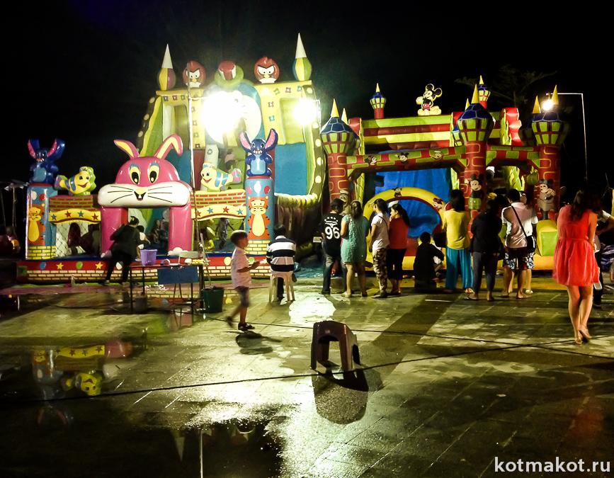 Лои Кратонг. Детский городок