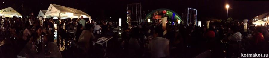 Лои Кратонг. Под открытым небом